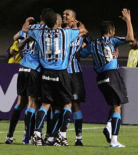 Leaguer leaders Grêmio celebrate