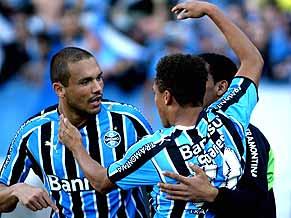 Soares strikes for leaders Grêmio