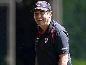 All smiles for Muricy Ramalho and São Paulo