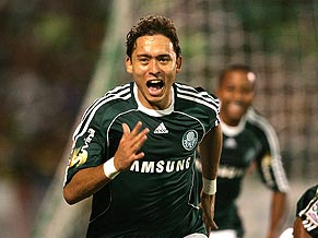 Joy for keirrison and Palmeiras