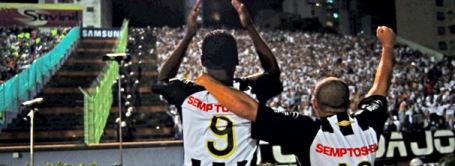 Kléber Pereira and Madson enjoy the moment