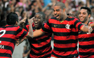 Adriano leads Flamengo to victory