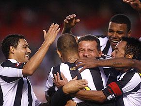 Atlético Mineiro go top