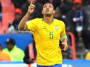 Felipe Melo gets Brazil's first