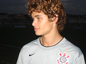 Dodô - nice hair but is he any good?