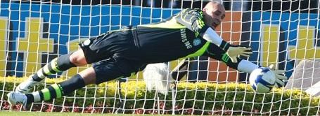 Palmeiras keeper Marcos keeps São Paulo at bay
