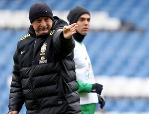 Felipão leds the way as Kaká looks on