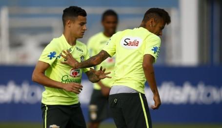 Coutinho alongside Neymar