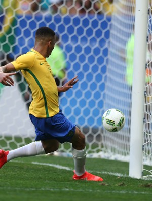 Gabriel Jesus and that miss vs South Africa