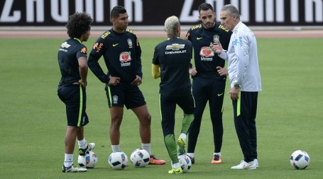Tite leads his troops